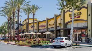 website-shopping-plaza-restaurants-img