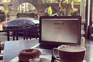 Coffee and bagel at Molinos
